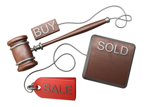 auction gavel 490x358 Auction vs. Estate Sale   Whats The Difference?